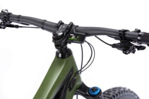 Handlebar with Shimano display on the e-bike Shuttle from Pivot for the 2021 season