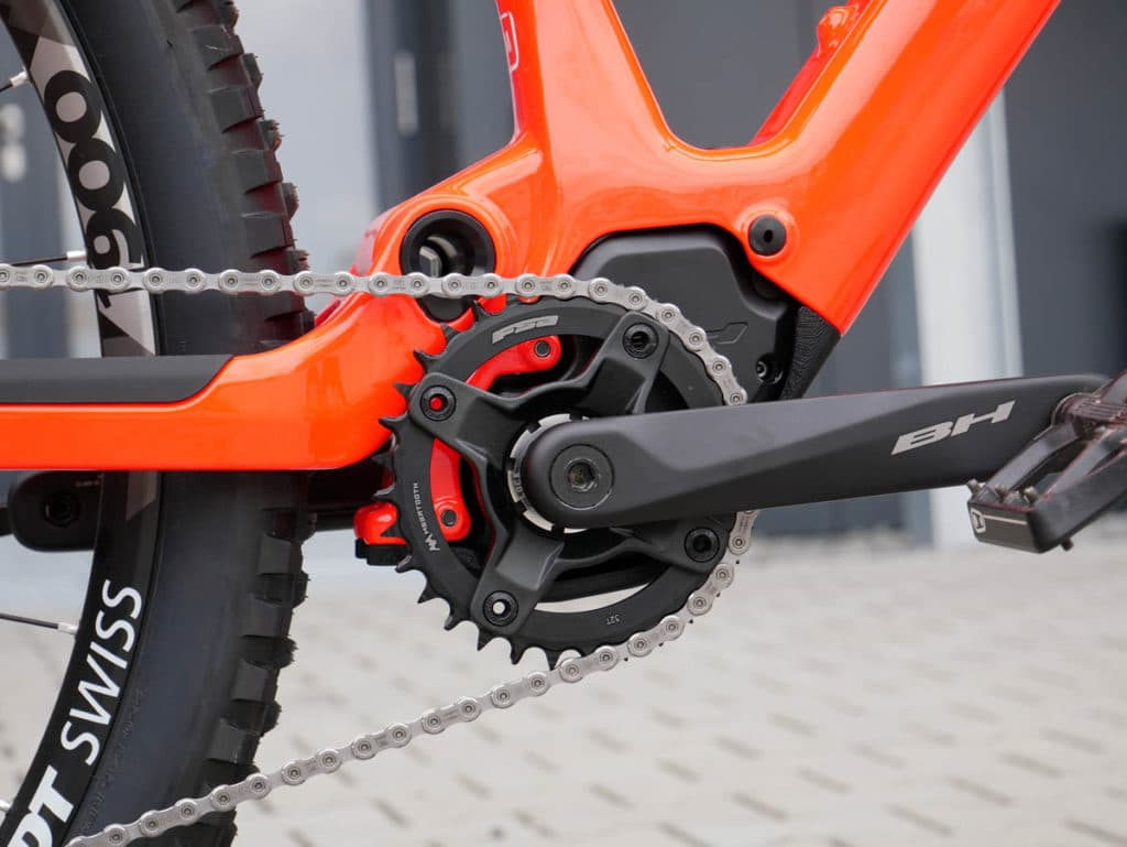 E-bike iLynx Race Carbon from BH Bikes for 2021 with motor BH 2ESMAG