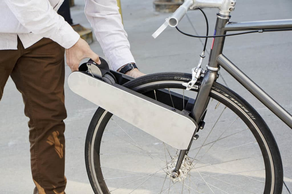 Retrofit kit Clip for e-bikes to attach with one movement of the hand