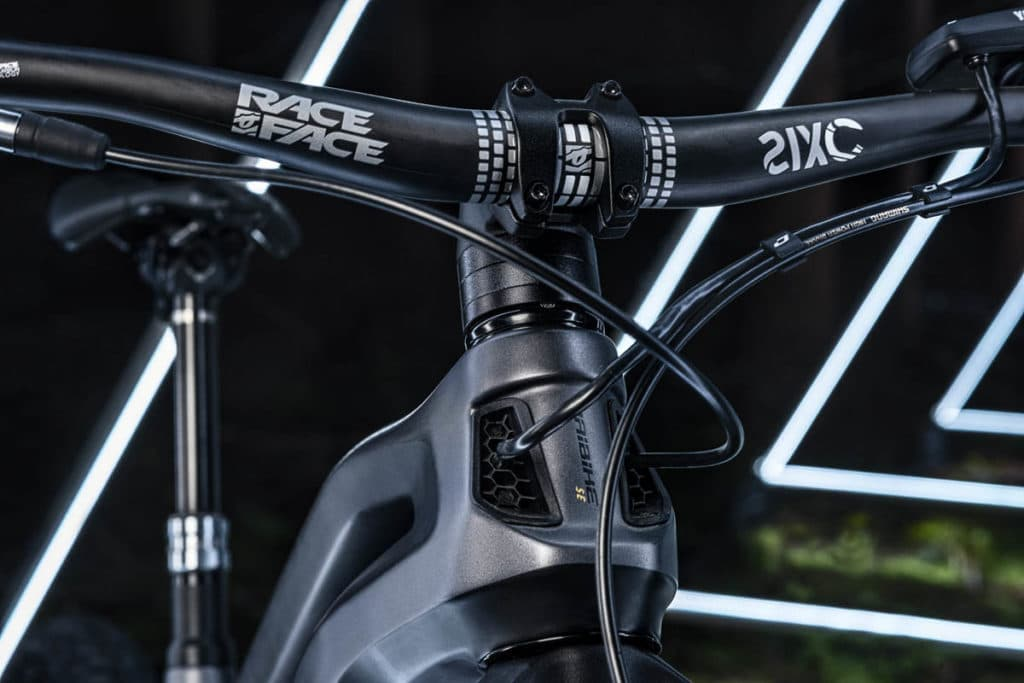 Head tube with distinctive honeycomb structure on the Haibike Allmtn SE